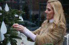 adomány, karácsonyfa, szeretet, Wolf Kati
