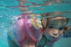 baba, fulladás, gyerek, nyár, strand, úszás, veszély, víz