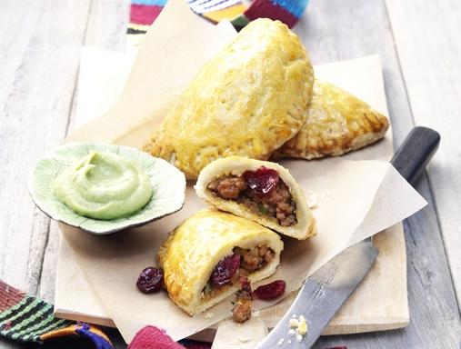 Empanadas áfonyás-darálthúsos töltelékkel nyito