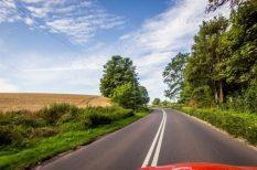 autó, biztonságos közlekedés, utazás