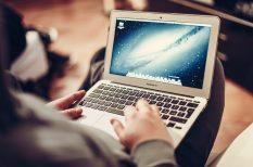 internet, nyaralás, online