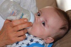 baba étkezése, etetés, hasfájás, hozzátáplálás, mozgás, szoptatás