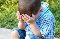 beilleszkedés, iskola, iskolai gondok, stressz, szülő-gyerek kapcsolat