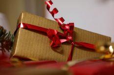 ajándék, karácsony, párkapcsolat