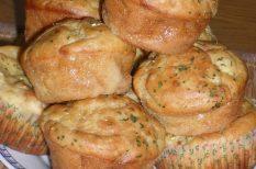 hagyma, krumpli, muffin, sajt