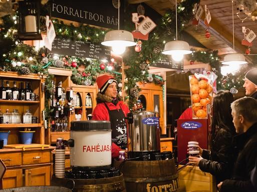 Karácsonyi forraltboros stand a bazilikánál, Kép: sajtóanyag