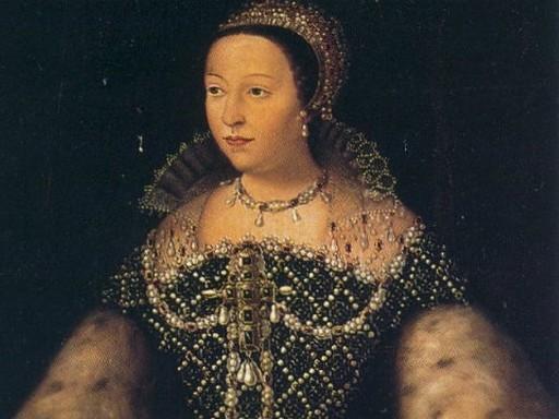 Medici Katalin ünnepi ruhában, Kép: mosoly100.hu