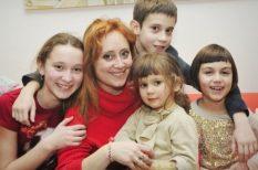anyaság, család, gyerek, humor, könyv, mártirság, tanács