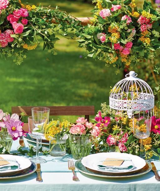 Esküvői könyvből részlet: kerti asztaldíszek