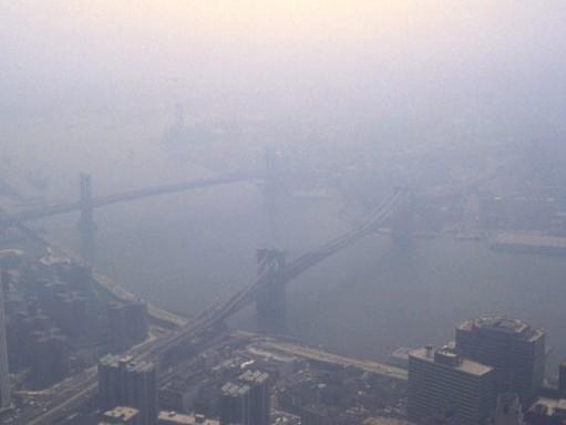 Nagyváros sziluettje a szmogban, Kép: wikimedia