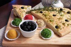 gasztronómia, Gyöngyöstarján, húsvét, Kovács Borház, olívabogyó, recept, sajt, zöldfűszerek