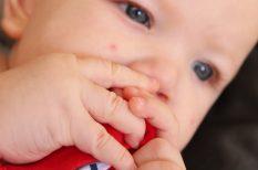 csecsemő, hasfájás, kólika, masszírozás, reflux
