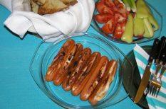 partigrill, pasis kaja, sajt, saláta, szalonna, virsli