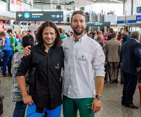 Klein Dávid és Suhajda Szilárd a reptéren, Kép: Johnnie Walker K2 Expedíció