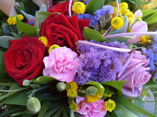 Virágcsakor száraz virággal is, Kép: pixabay