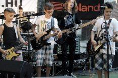 gitár, muzsika, nyár, Szolnok, tábor, tehetségkutató