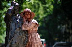 budapest, Csók Világnapja, magányos szobrok, pátkapcsolat, ragaszkodás, urbanista fotózás