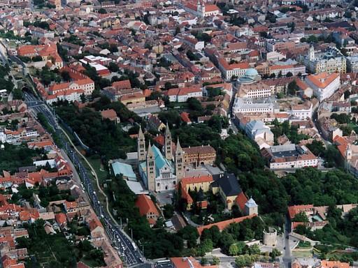 Pécs madártávlatból, Kép: wikimedia