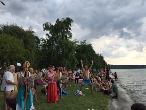 Sámánok dobokkal űzik el a vihart az Everness Fesztiválon, Kép: Osztrozics Dóra