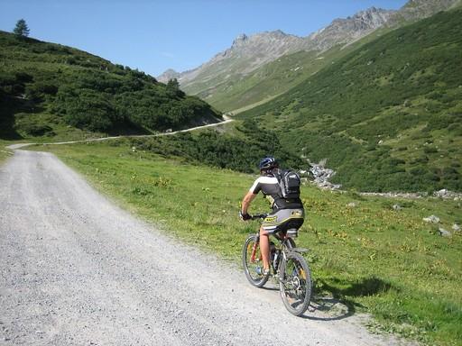 Kerékpározás a hegyekben, Kép: pixabay