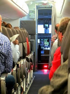 Repülőgép belső utasokkal, Kép: pixabay