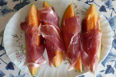 mediterrán hangulat, olasz konyha, pármai sonka, sárgadinnye, szendvics