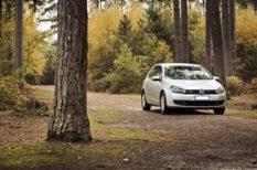 autó, autóápolás, bérlés, biztonság, biztonságos utazás, felelősség, ősz, utazási tippek