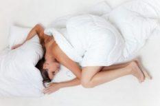 alkohol, álmatlanság, alvás, hálószoba, illat, koffein, relax, zene