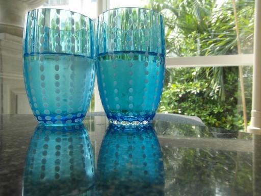 Ásványvíz két pohárban, Kép: publicdomainpictures