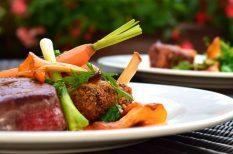 húsfogyasztás, intim pillanat, közös étkezés, párválasztás, szerelem, vegetáriánus