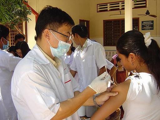 Védőoltás Hepatitis A ellen, Kép: staticflickr