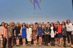 Aranyanyu, díj, elismerés, foglalkozás, munka, nők, orvos, pedagógus
