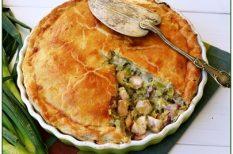 csirke, omlós tészta, pite, póréhagyma, rozmaring, ünnepi