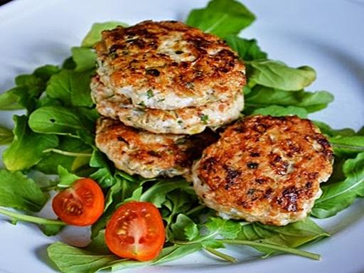 Csirkeburger, Kép: ahogyeszikugypuffad.blogspot.com