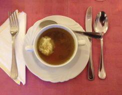 leves, liba, májgombóc, márton nap, ünnepi asztal