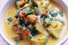 ázsiai ízek, csirke, csirkeleves, fokhagyma, gyömbér, koriander, leves, thai