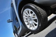 abroncs, autó, autóápolás, biztonság, gumicsere, tél