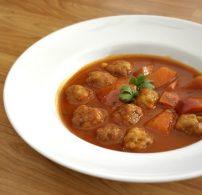 bab, egytál étel, kolbász, leves, paradicsom, zeller