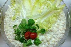 kukorica, majonéz, saláta