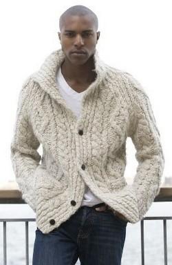 Nagy fehér pulcsi, Kép: brands.hu