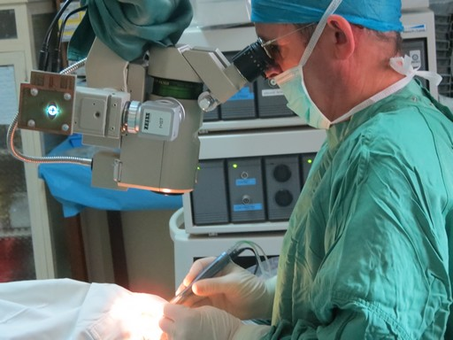 Richard doktor műt Kongóban