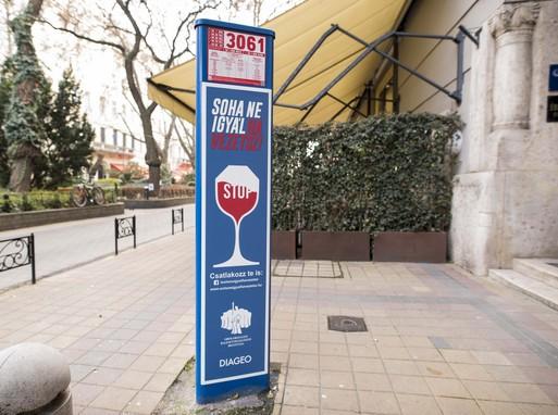 Soha ne igyál, ha vezetsz kampány matricája, Kép: ORFK