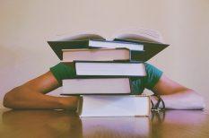 ágy, memória, tananyag, tanulás, táplálkozás, vizsgaidőszak