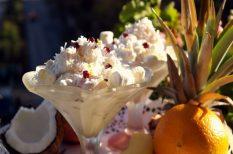 Ambrózia saláta, ananász, banán, gránátalma, mandarin, narancs, pillecukor, szőlő