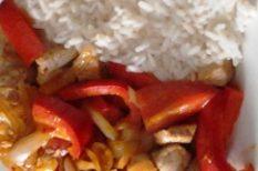 csirkemell, kaliforniai paprika, szójaszósz