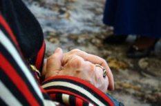 család, felmérés, idősek, öregkor, orvosi ellátás, temetkezés