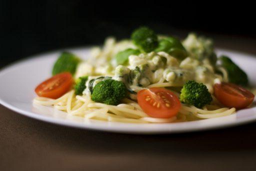 Sonkás, brokkolis tészta - Otthonfőzök - A házikonyha sztárjai