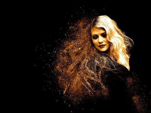 Szép nő szőke hajjal, Kép: pixabay