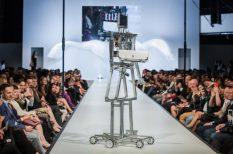 divat, divatmemutató, robotmodellek, sztárok, tehetségek