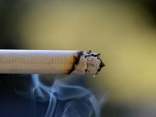Füstölgő cigaretta, Kép: pixabay